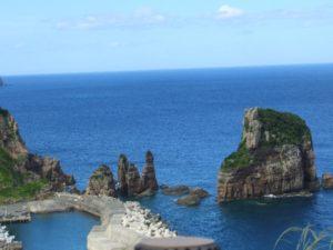 甑島 ローソク岩