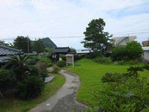 下甑郷土館の庭
