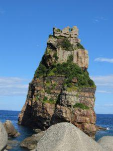 瀬々野浦港 鷹の巣岩